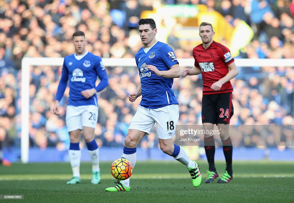 <a gi-track='captionPersonalityLinkClicked' href=/galleries/search?phrase=Gareth+Barry&family=editorial&specificpeople=209123 ng-click='$event.stopPropagation()'>Gareth Barry</a> of Everton in action during the Barclays Premier League match between Everton and West Bromwich Albion at Goodison Park on February 13, 2016 in Liverpool, England.