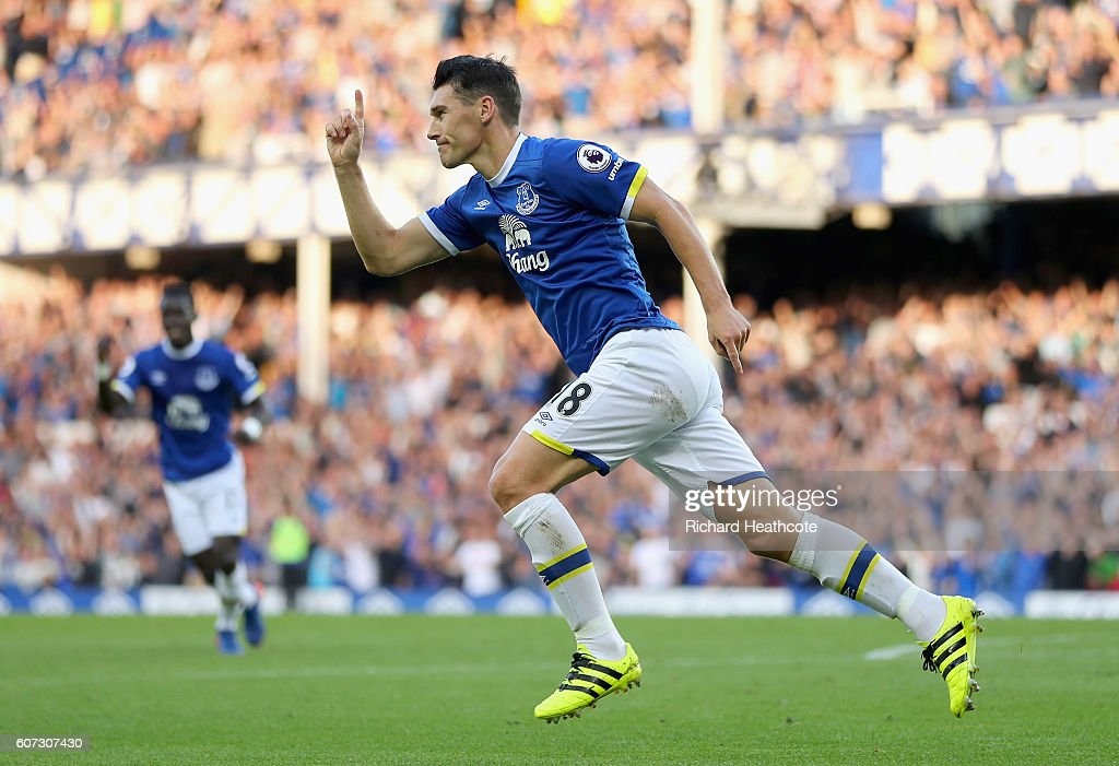 Gareth Barry of Everton scores his sides first goal on his 600th preimer leauge apperance during the Premier League match between Everton and Middlesbrough at Goodison Park on September 17, 2016 in Liverpool, England.