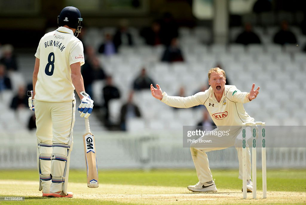 <a gi-track='captionPersonalityLinkClicked' href=/galleries/search?phrase=Gareth+Batty&family=editorial&specificpeople=215258 ng-click='$event.stopPropagation()'>Gareth Batty</a> of Surrey appeals and dismisses Scott Borthwick of Durham during day three of the Specsavers County Championship Division One match between Surrey and Durham at the Kia Oval on May 3, 2016 in London, England.