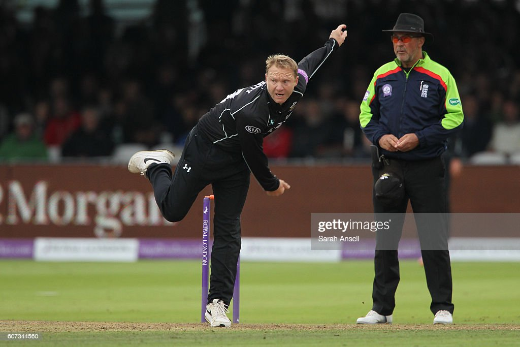 Gareth Batty of Surrey bowls during the Royal London One-Day Cup Final match between Surrey and Warwickshire at Lord's Cricket Ground on September 17, 2016 in London, England. (Photo by Sarah Ansell/Getty Images).