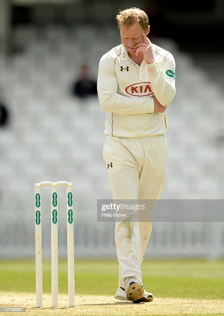 <a gi-track='captionPersonalityLinkClicked' href=/galleries/search?phrase=Gareth+Batty&family=editorial&specificpeople=215258 ng-click='$event.stopPropagation()'>Gareth Batty</a> of Surrey during day three of the Specsavers County Championship Division One match between Surrey and Durham at the Kia Oval on May 3, 2016 in London, England.