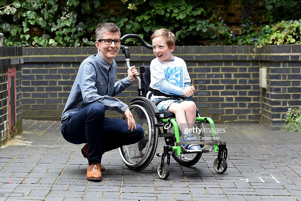 <a gi-track='captionPersonalityLinkClicked' href=/galleries/search?phrase=Gareth+Malone&family=editorial&specificpeople=5333670 ng-click='$event.stopPropagation()'>Gareth Malone</a> (L) meets Flynn Ruttley during his visit to the Nordoff Robbins Music Therapy Centre on June 26, 2014 in London, England. <a gi-track='captionPersonalityLinkClicked' href=/galleries/search?phrase=Gareth+Malone&family=editorial&specificpeople=5333670 ng-click='$event.stopPropagation()'>Gareth Malone</a> is receiving the PPL Classical Award at the O2 Silver Clef Awards on Friday 4th July, raising funds for Nordoff Robbins.
