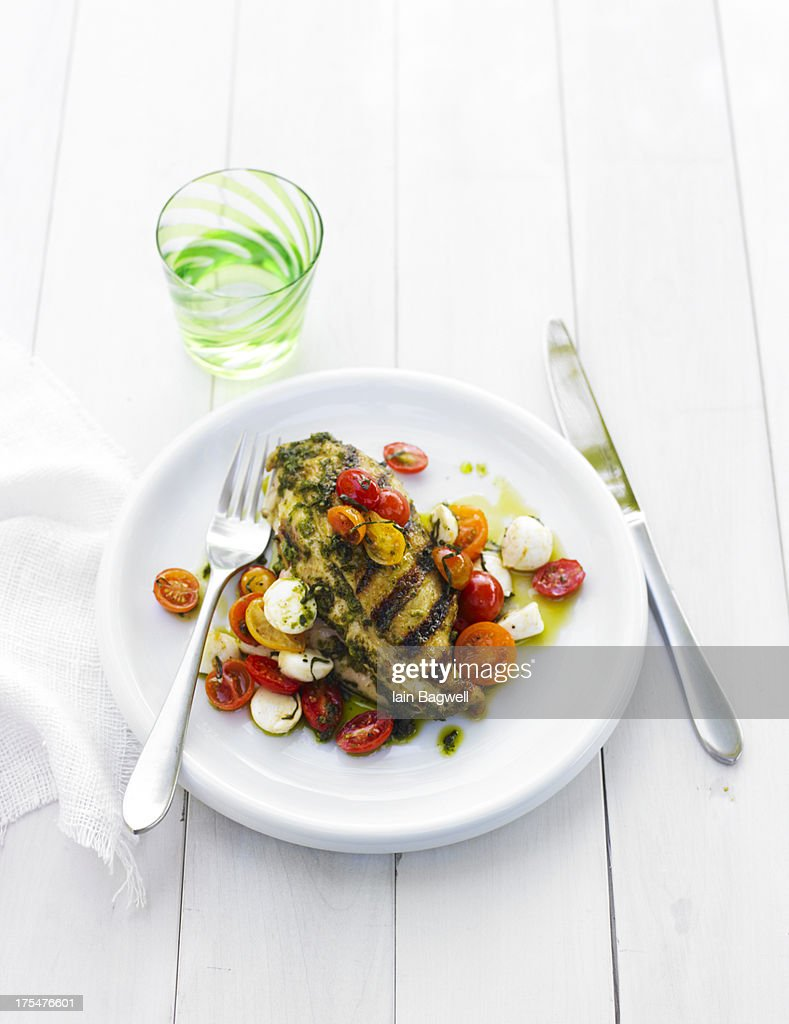 Garlic Basil Grilled Chicken with Caprese Salad : Stock Photo