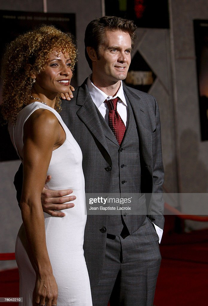 Garret Dillahunt arrives at the premiere of Miramax Films' 'No Country For Old Men' held at the El Capitan Theater on November 4, 2007 in Hollywood, California.
