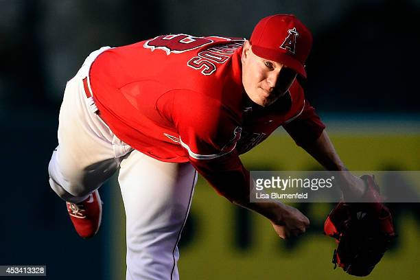 Garrett Richards of the Los Angeles Angels of Anaheim pitches in the third inning against the Boston Red Sox at Angel Stadium of Anaheim on August 9...
