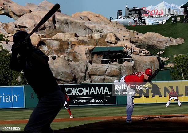 Garrett Richards of the Los Angeles Angels of Anaheim throws a ptich to Josh Reddick of the Oakland Athletics at Angel Stadium of Anaheim on...