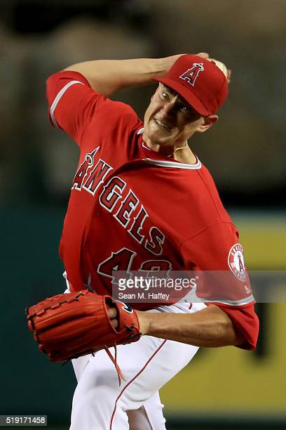 Garrett Richards of the Los Angeles Angels throws a pitch in the second inning durnig their Opening Day game against the Chicago Cubs at Angel...