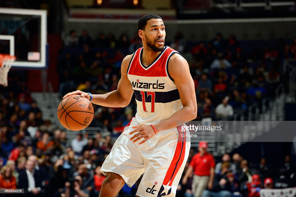 Garrett Temple of the Washington Wizards handles the ball against the Charlotte Hornets at the Verizon Center on February 2 2015 in Washington DC