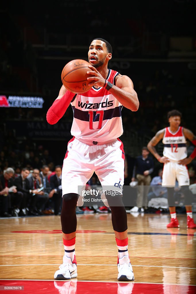 Garrett Temple of the Washington Wizards shoots a free throw during the game against the Miami Heat on January 20 2016 at Verizon Center in...