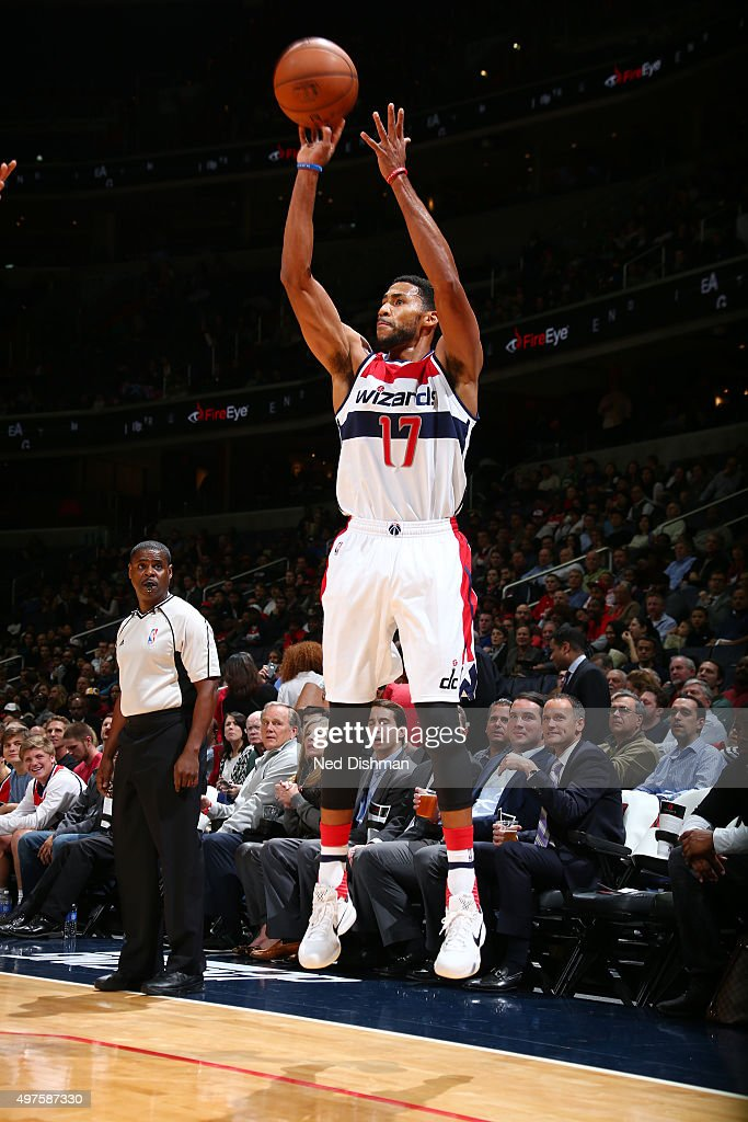 Garrett Temple of the Washington Wizards shoots the ball during the game against the Milwaukee Bucks on November 17 2015 at Verizon Center in...