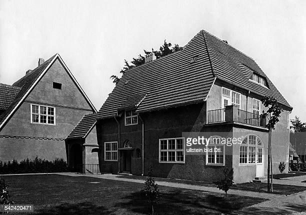 Gartenstadt FrohnauVilla im LandhausstilDie Gartenstadt Frohnau wurde 1908gegründet Gesamtplanung von Joseph Brixund Felix Genzmer um 1921