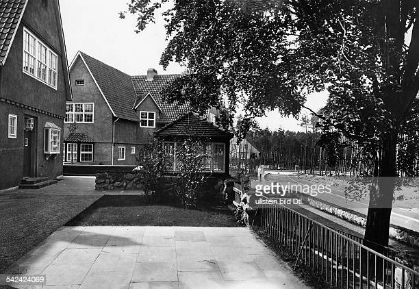 Gartenstadt FrohnauVillen im LandhausstilDie Gartenstadt Frohnau wurde 1908gegründet Gesamtplanung von Joseph Brixund Felix Genzmer um 1921