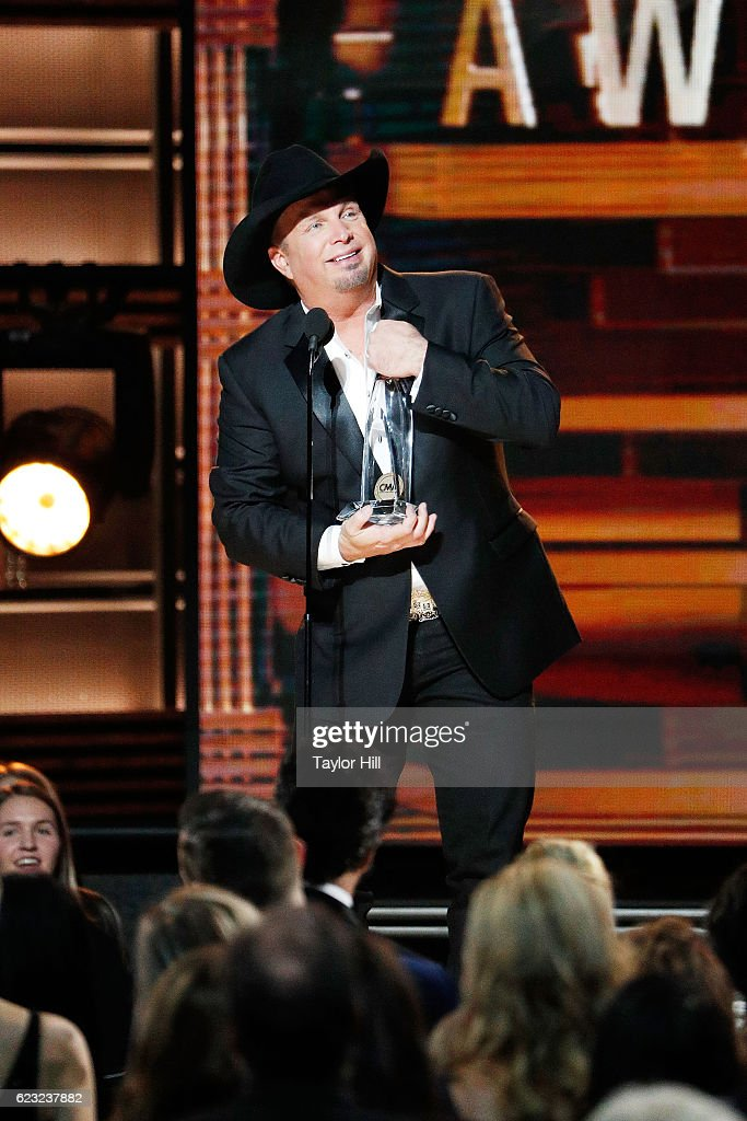 Garth Brooks accepts an award onstage during the 50th annual CMA Awards at the Bridgestone Arena on November 2, 2016 in Nashville, Tennessee.