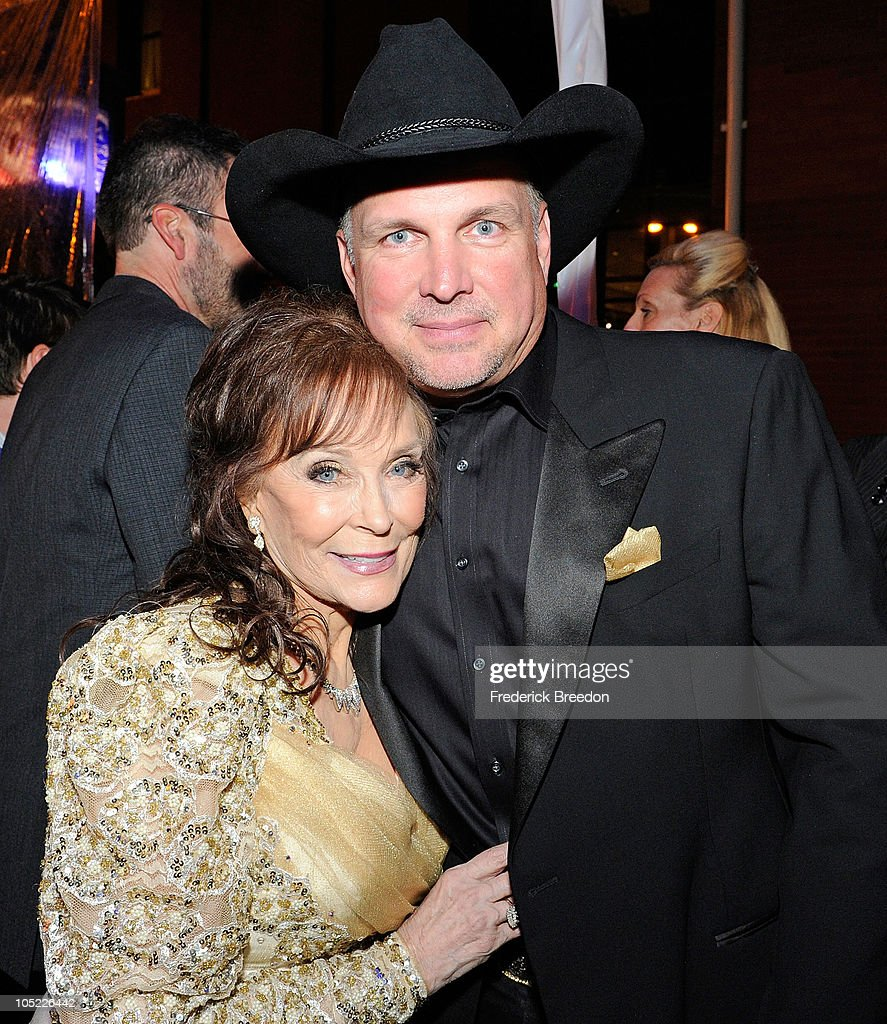 Garth Brooks and Loretta Lynn attend the GRAMMY Salute to Country Music Honoring Loretta Lynn presented by Mastercard and hosted by The Recording Academy at Ryman Auditorium on October 12, 2010 in Nashville, Tennessee.