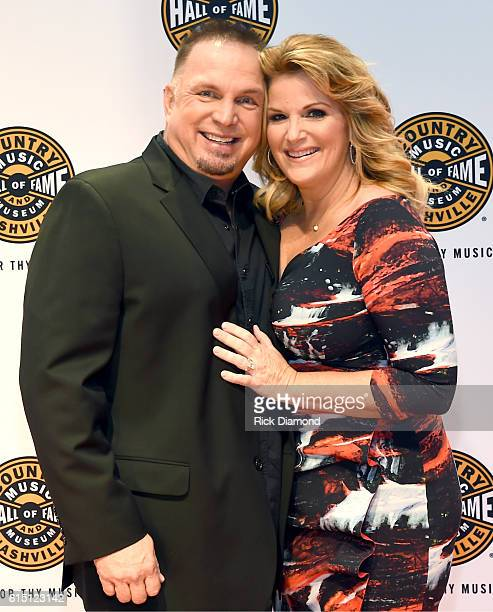Garth Brooks and Trisha Yearwood attend The 2016 Medallion Ceremony at the Country Music Hall of Fame and Museum on October 16 2016 in Nashville...