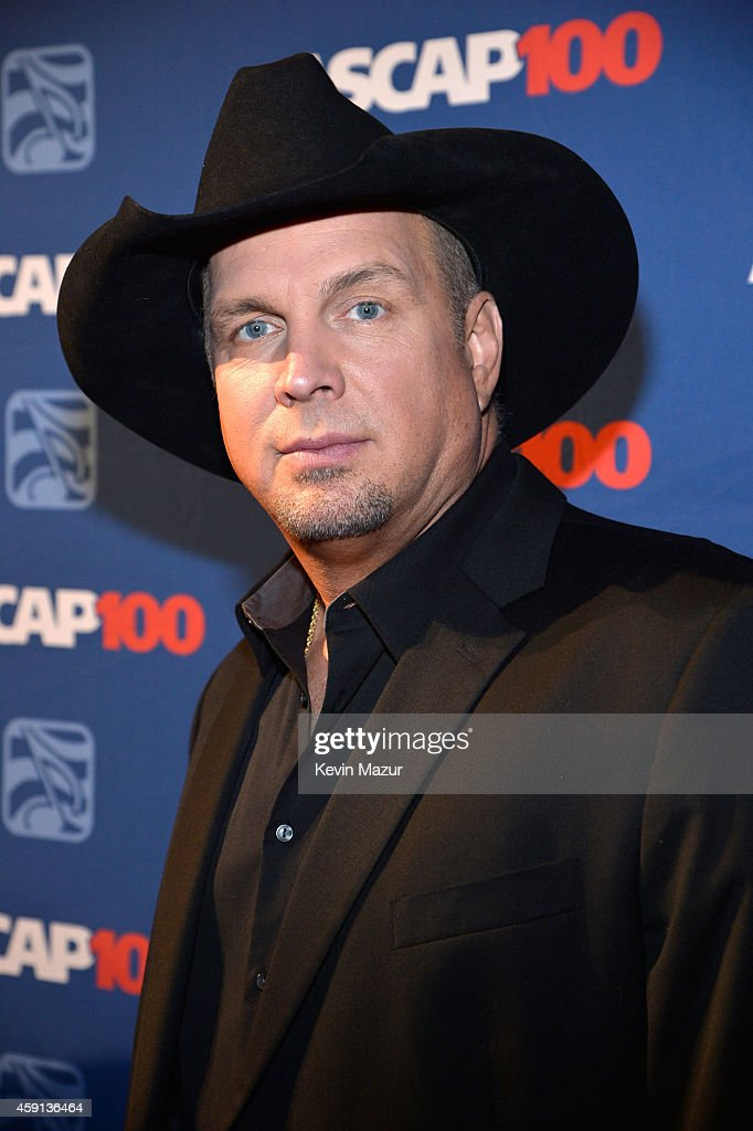 <a gi-track='captionPersonalityLinkClicked' href=/galleries/search?phrase=Garth+Brooks&family=editorial&specificpeople=206288 ng-click='$event.stopPropagation()'>Garth Brooks</a> attends the ASCAP Centennial Awards at Waldorf Astoria Hotel on November 17, 2014 in New York City.