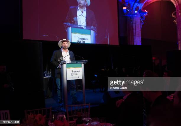 Garth Brooks speaks during the TJ Martell 42nd Annual New York Honors Gala at Guastavino's on October 17 2017 in New York City