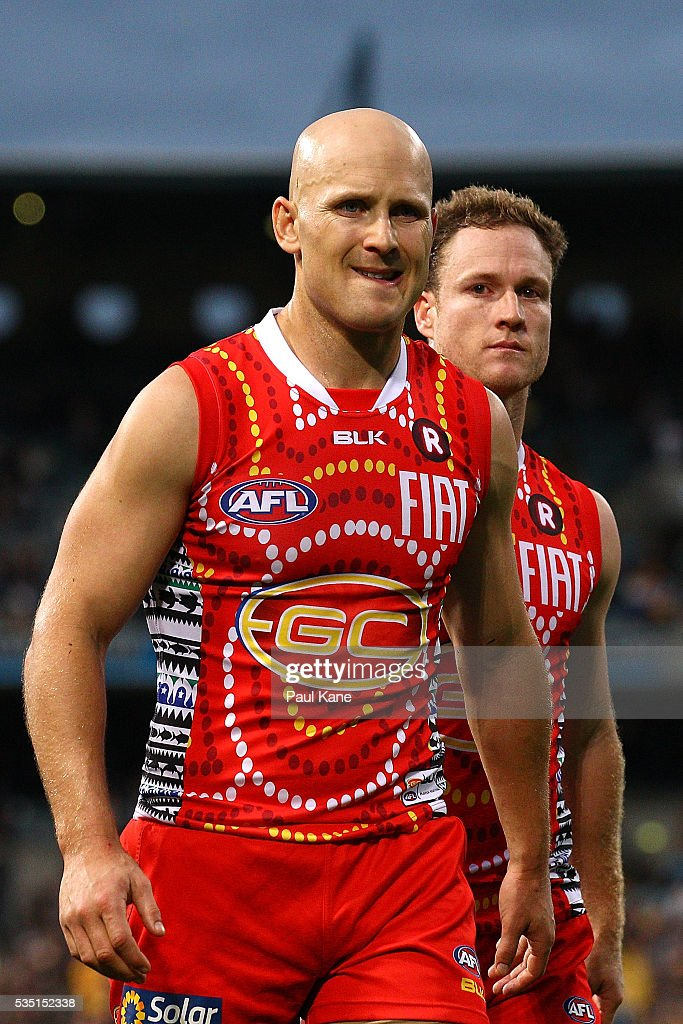 <a gi-track='captionPersonalityLinkClicked' href=/galleries/search?phrase=Gary+Ablett&family=editorial&specificpeople=206196 ng-click='$event.stopPropagation()'>Gary Ablett</a> of the Suns walks from the field after being defeated during the round 10 AFL match between the West Coast Eagles and the Gold Coast Suns at Domain Stadium on May 29, 2016 in Perth, Australia.