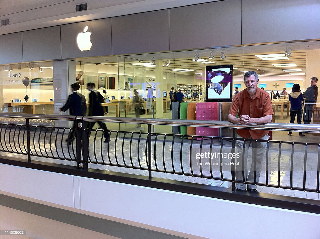 Gary Allen of Berkley CA poses for a portrait in front of the Tysons Corner Apple Store in McLean VA on May 19 2011 He is a diehard Apple fan and has...