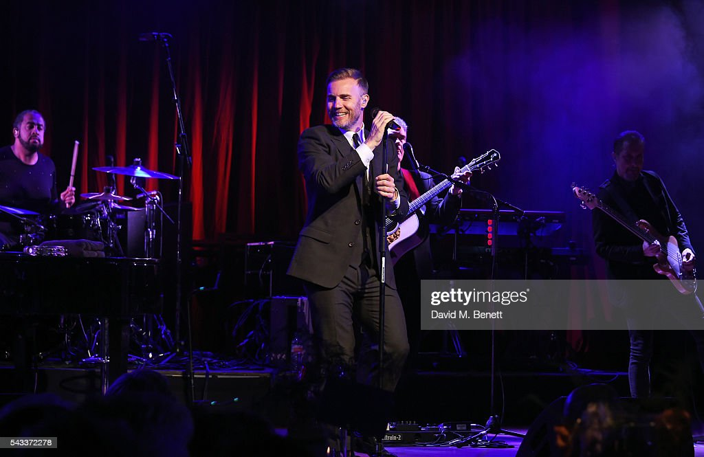 <a gi-track='captionPersonalityLinkClicked' href=/galleries/search?phrase=Gary+Barlow&family=editorial&specificpeople=616384 ng-click='$event.stopPropagation()'>Gary Barlow</a> performs at the Summer Gala for The Old Vic at The Brewery on June 27, 2016 in London, England.