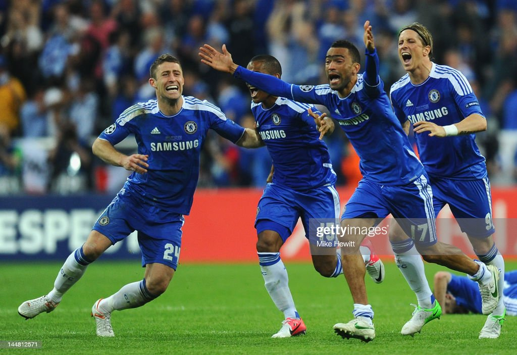 Gary Cahill, Florent Malouda, Jose Bosingwa and Fernando Torres of Chelsea celebrate after Didier Drogba scored the winning penalty during UEFA Champions League Final between FC Bayern Muenchen and Chelsea at the Fussball Arena München on May 19, 2012 in Munich, Germany.