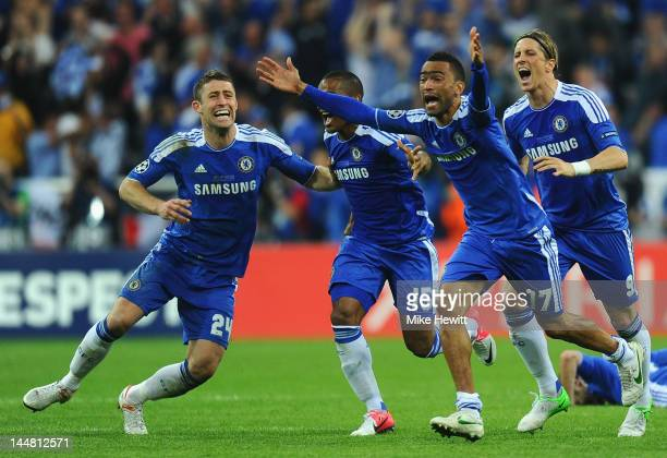 Gary Cahill Florent Malouda Jose Bosingwa and Fernando Torres of Chelsea celebrate after Didier Drogba scored the winning penalty during UEFA...