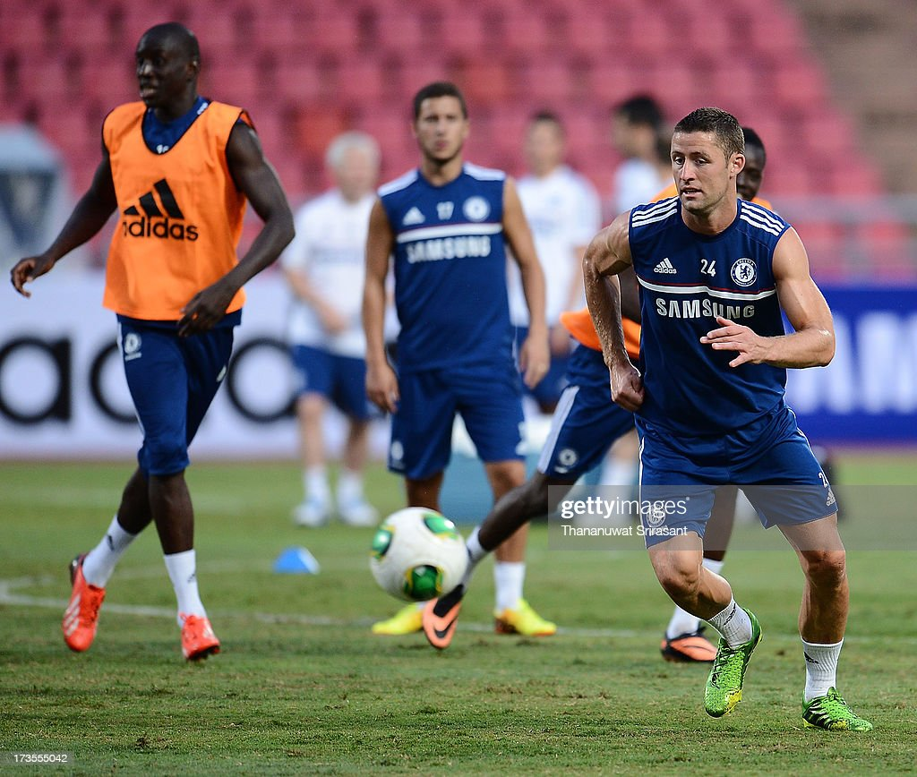 <a gi-track='captionPersonalityLinkClicked' href=/galleries/search?phrase=Gary+Cahill&family=editorial&specificpeople=204341 ng-click='$event.stopPropagation()'>Gary Cahill</a> in action during a Chelsea FC training session at Rajamangala Stadium on July 16, 2013 in Bangkok, Thailand.
