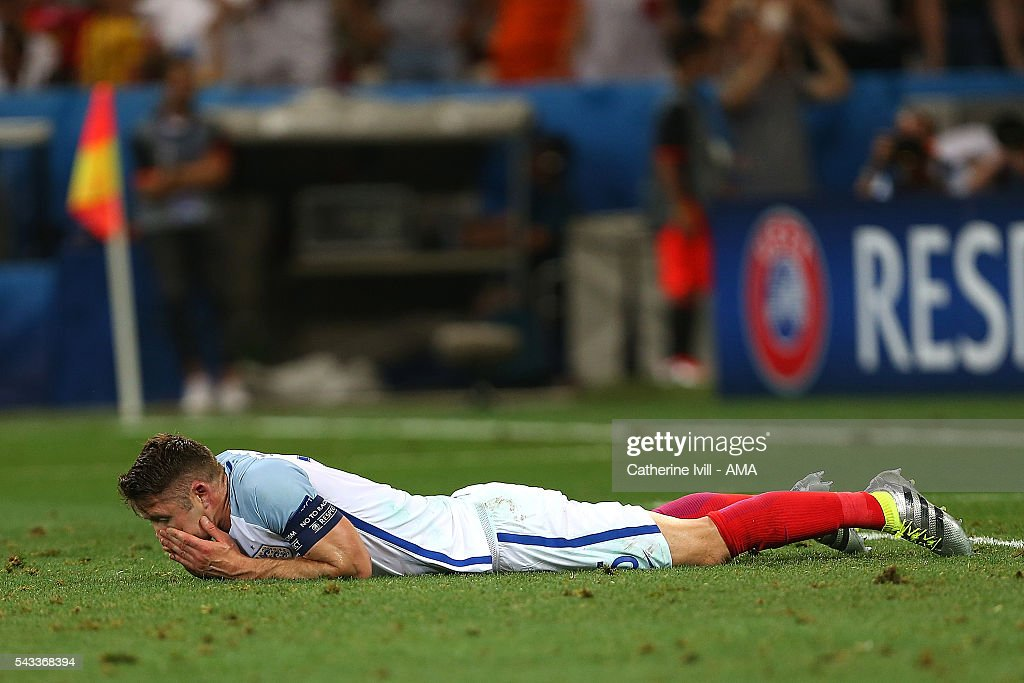 <a gi-track='captionPersonalityLinkClicked' href=/galleries/search?phrase=Gary+Cahill&family=editorial&specificpeople=204341 ng-click='$event.stopPropagation()'>Gary Cahill</a> of England looks dejected at the end of the UEFA Euro 2016 Round of 16 match between England and Iceland at Allianz Riviera Stadium on June 27, 2016 in Nice, France.