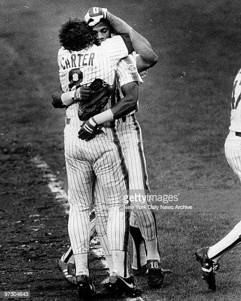Gary Carter and Darryl Strawberry embrace after the Mets won the 1986 National League pennant playoffs