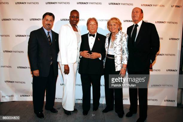 Gary Figueroa Emma Davis Arnold Scaasi Liz Smith and Parker Ladd attend LITERACY PARTNERS 25th Anniversary 'A Gala Evening of Readings' Honoring...
