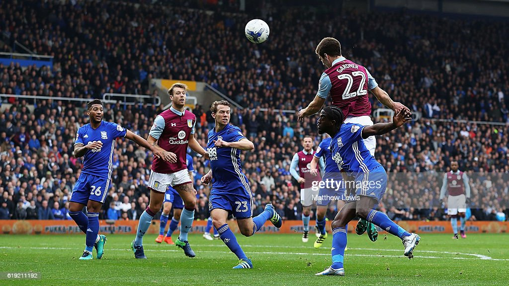 Gary Gardner of Aston Villa scores Aston Villa goal during the Sky Bet Championship match between Birmingham City and Aston Villa at St Andrews (stadium) on October 30, 2016 in Birmingham, England.