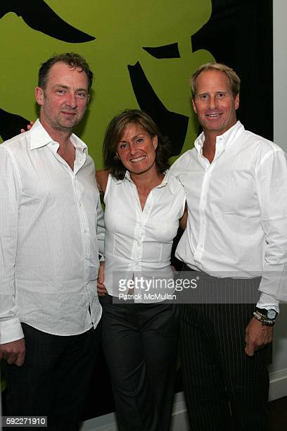 Gary Hume Liz Swig and Kent Swig attend Kent and Liz Swig Host a Dinner In Honor of Artist Gary Hume at Kent and Liz Swig Duplex on September 22 2005...