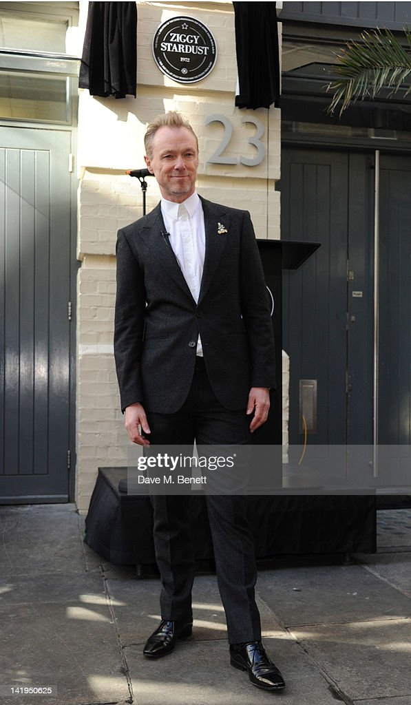 <a gi-track='captionPersonalityLinkClicked' href=/galleries/search?phrase=Gary+Kemp&family=editorial&specificpeople=213076 ng-click='$event.stopPropagation()'>Gary Kemp</a> attends the unveiling of a plaque dedicated to David Bowie's famous character Ziggy Stardust on March 27, 201 in London, England. The plaque has been installed on Heddon Street, London, which was the location of the album cover photograph for 'The Rise and Fall of Ziggy Stardust and the Spiders from Mars'.