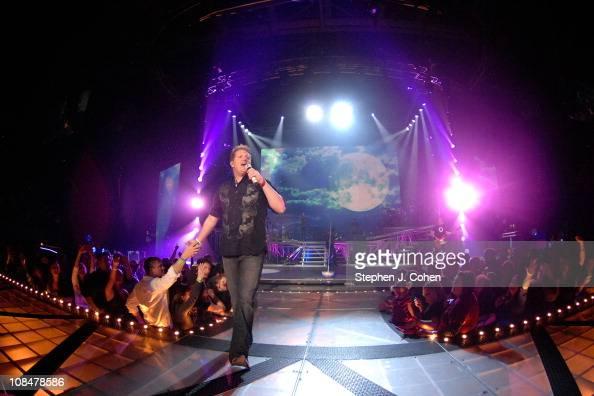 Gary LeVox of Rascal Flatts performs at Rupp Arena on January 27 2011 in Lexington Kentucky