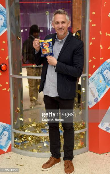 Gary Lineker visits the Walkers Cash Dash at London's Victoria Station to celebrate Walkers' Pay Packets on April 25 2017 in London England