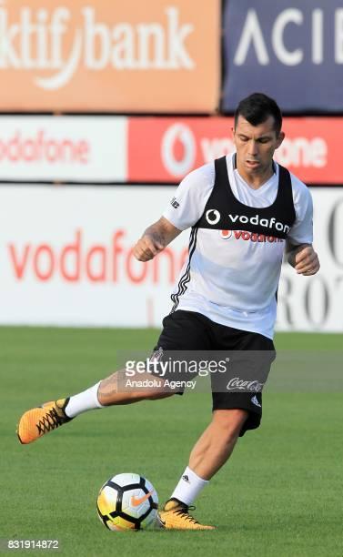 Gary Medel of Besiktas attends a training session ahead of a Turkish Spor Toto Super Lig match between Kasimpasa and Besiktas at Besiktas Nevzat...