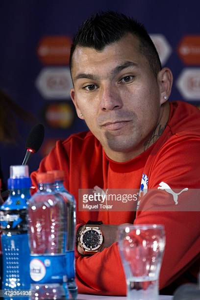 Gary Medel of Chile looks on during a press conference at Nacional Stadium on July 03 2015 in Santiago Chile Chile will face Argentina in the final...