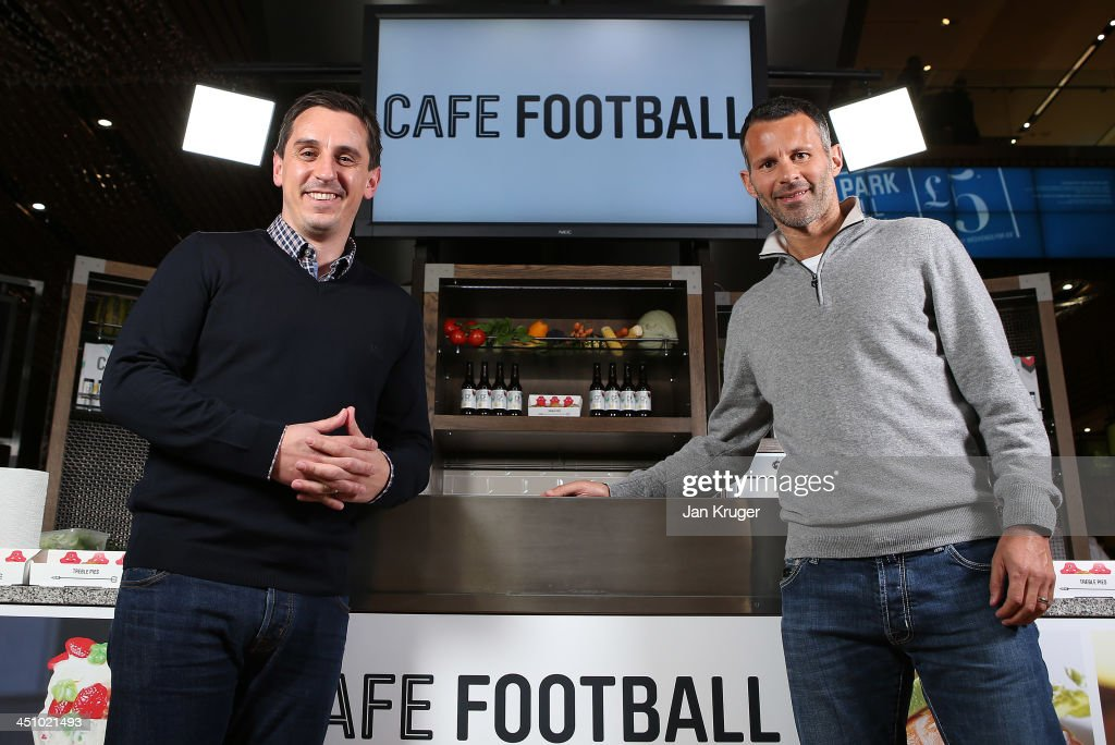 Ryan Giggs & Gary Neville Cook Off @ Cafe Football : News Photo