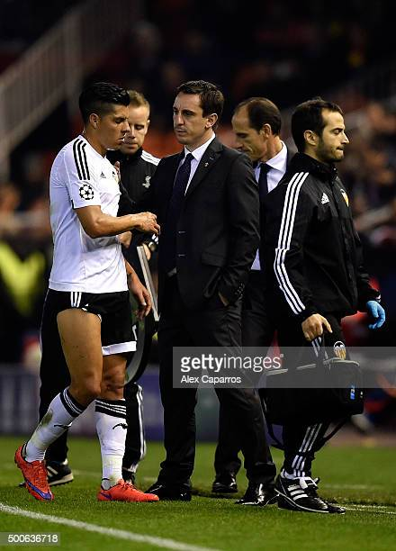 Gary Neville manager of Valencia looks on as Enzo Perez of Valencia is replaced during the UEFA Champions League Group H match between Valencia CF...