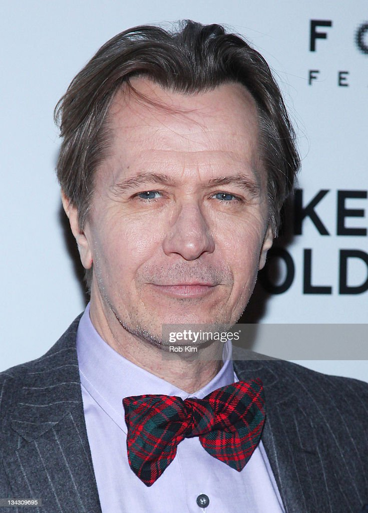 <a gi-track='captionPersonalityLinkClicked' href=/galleries/search?phrase=Gary+Oldman&family=editorial&specificpeople=213839 ng-click='$event.stopPropagation()'>Gary Oldman</a> attends the premiere of 'Tinker Tailor Soldier Spy' at Landmark Sunshine Theater on November 30, 2011 in New York City.