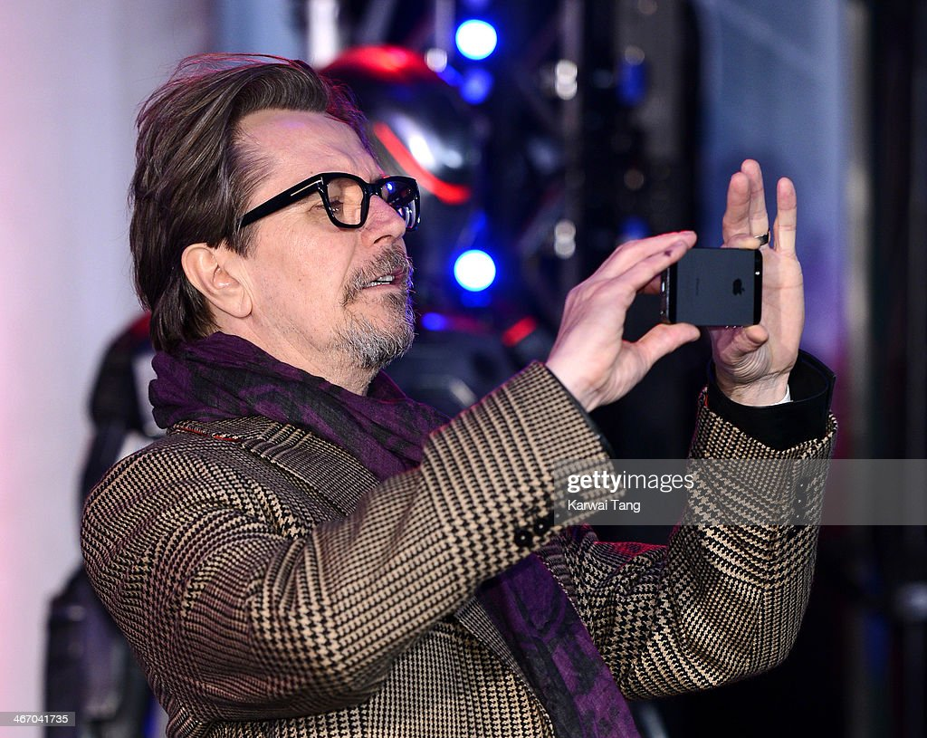 <a gi-track='captionPersonalityLinkClicked' href=/galleries/search?phrase=Gary+Oldman&family=editorial&specificpeople=213839 ng-click='$event.stopPropagation()'>Gary Oldman</a> attends the World Premiere of 'Robocop' at the BFI IMAX on February 5, 2014 in London, England.