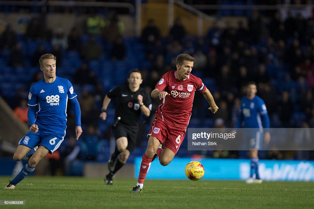 Gary O'Neil of Bristol City and Maikel Kieftenbeld of Birmingham City in action during the Sky Bet Championship match between Birmingham City and Bristol City at St Andrews Stadium on November 19, 2016 in Birmingham, England.