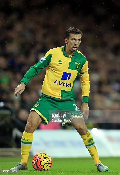 Gary O'Neil of Norwich City during the Barclays Premier League match between Norwich City and Arsenal at Carrow Road stadium on November 29 2015 in...