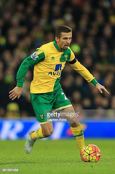 Gary O'Neil of Norwich City during the Premier League match between Norwich City and Everton at Carrow Road stadium on December 12 2015 in Norwich...