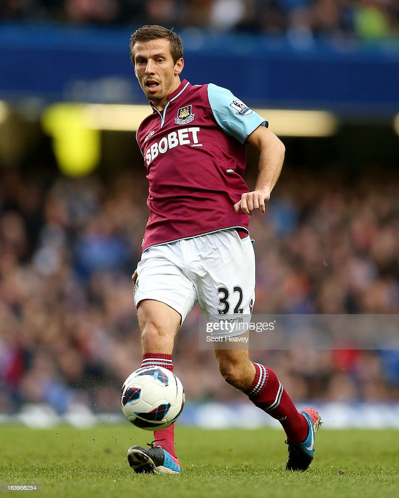 Gary O'Neill of West Ham in action during the Barclays Premier League match between Chelsea and West Ham United at Stamford Bridge on March 17, 2013 in London, England.