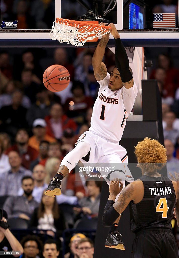 Gary Payton II of the Oregon State Beavers dunks the ball in the first half while taking on the Virginia Commonwealth Rams in the first round of the...
