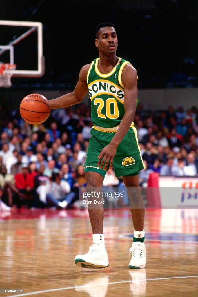 <a gi-track='captionPersonalityLinkClicked' href=/galleries/search?phrase=Gary+Payton&family=editorial&specificpeople=201500 ng-click='$event.stopPropagation()'>Gary Payton</a> #2 of the Seattle SuperSonics dribbles against the Los Angeles Clippers during a game played at the Los Angeles Memorial Sports Arena in Los Angeles, California circa 1991.
