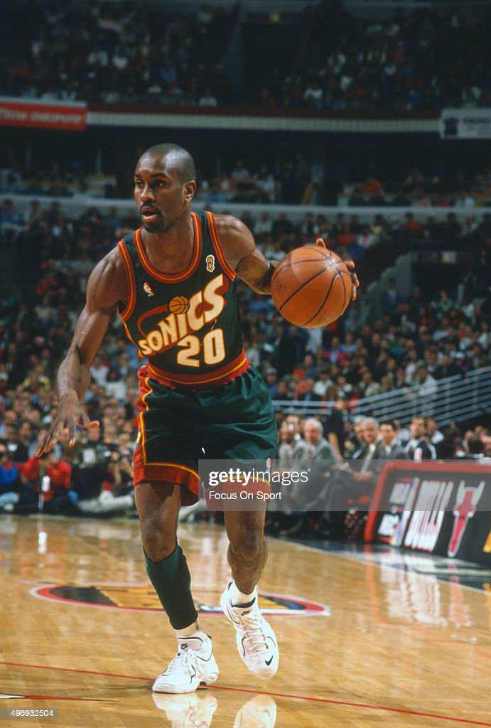 <a gi-track='captionPersonalityLinkClicked' href=/galleries/search?phrase=Gary+Payton&family=editorial&specificpeople=201500 ng-click='$event.stopPropagation()'>Gary Payton</a> #2 of the Seattle Supersonics dribbles the ball against the Chicago Bulls during an NBA basketball game circa 1995 at the United Center in Chicago, Illinois. Payton played for the Supersonics from 1990-2003.
