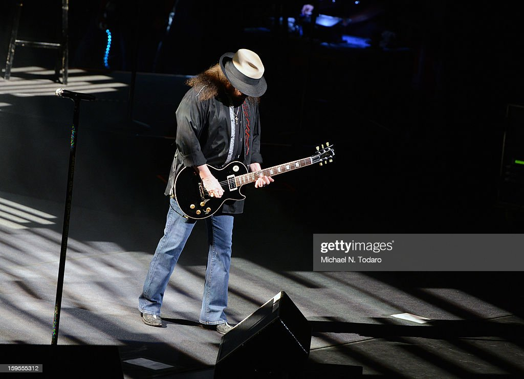 <a gi-track='captionPersonalityLinkClicked' href=/galleries/search?phrase=Gary+Rossington&family=editorial&specificpeople=577186 ng-click='$event.stopPropagation()'>Gary Rossington</a> performs at The Beacon Theatre on January 15, 2013 in New York City.