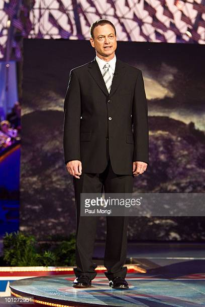 Gary Sinise Stock Photos And Pictures Getty Images